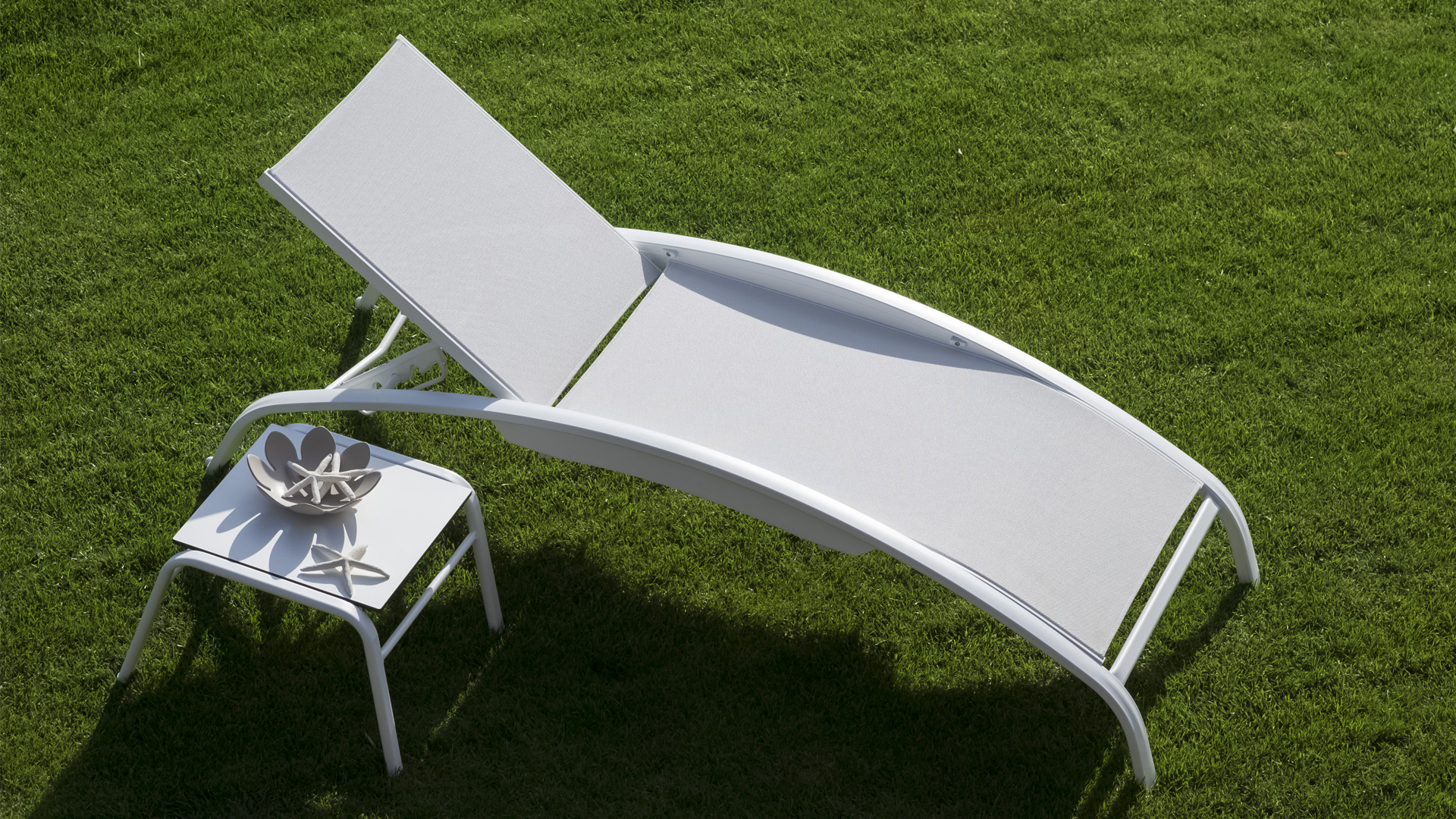 best cheap plastic sun loungers