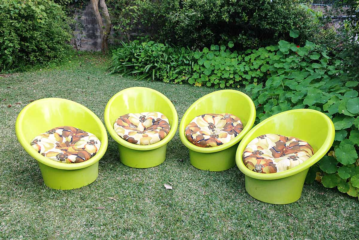 plastic tub chairs